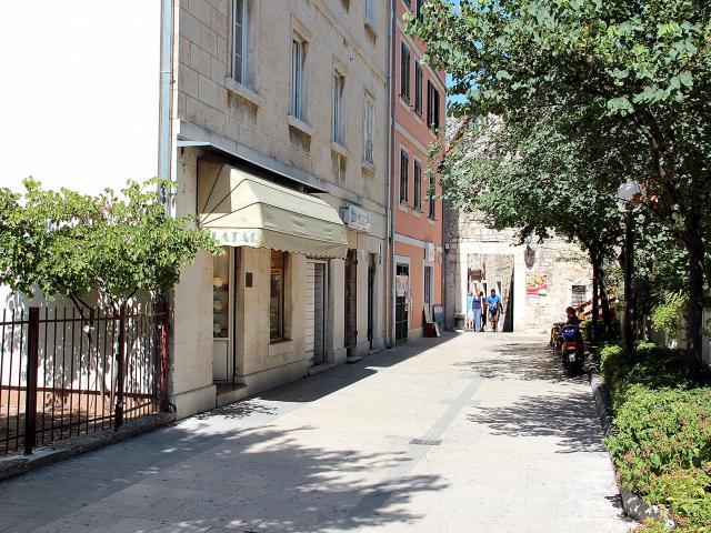 Apartman Mimica (4+2) u centru Omiša